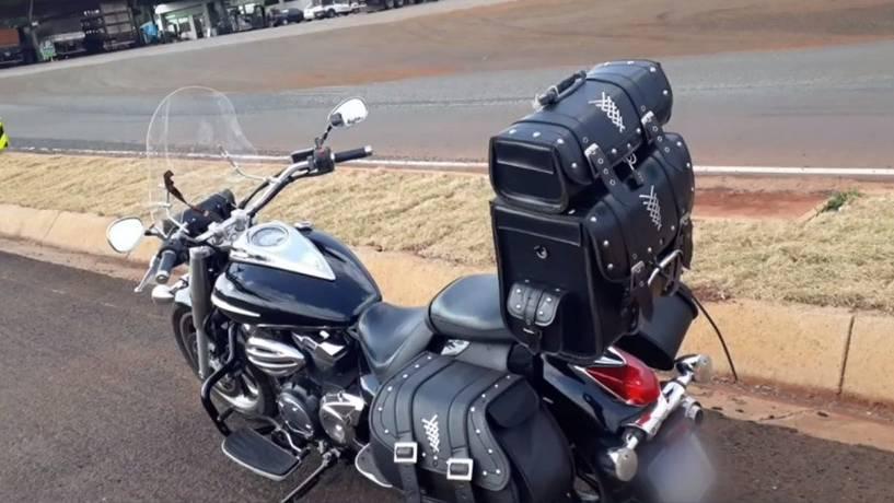 Empresário encontra mala com quase R$ 8 mil em rodovia e devolve ao dono no Paraná