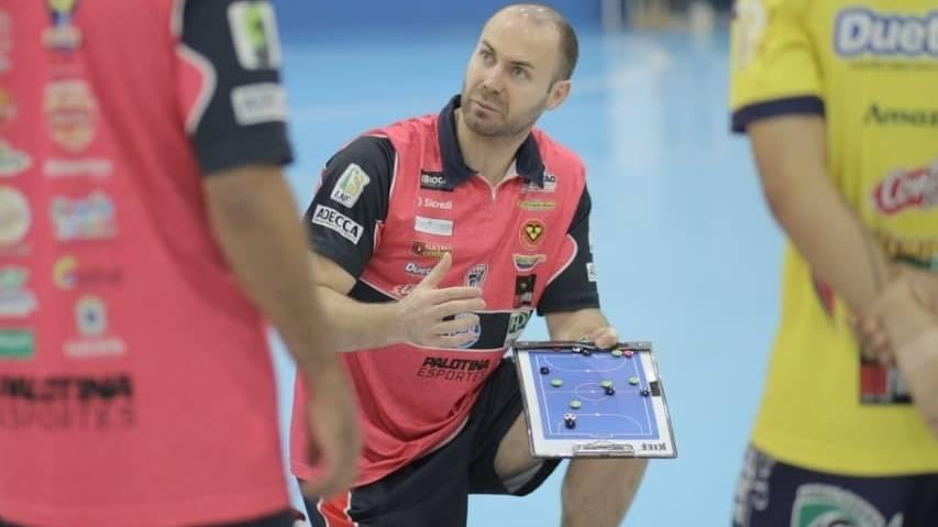 100 Vezes Cassiano: Técnico do Cascavel Futsal chega a marca importante no comando da equipe
