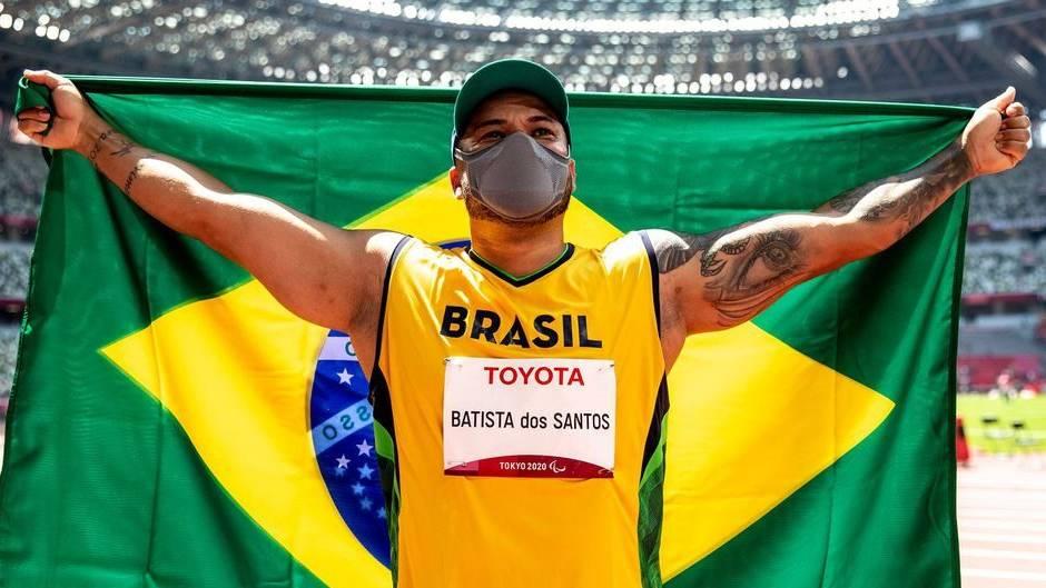 Claudiney dos Santos é bicampeão paralímpico no lançamento de disco