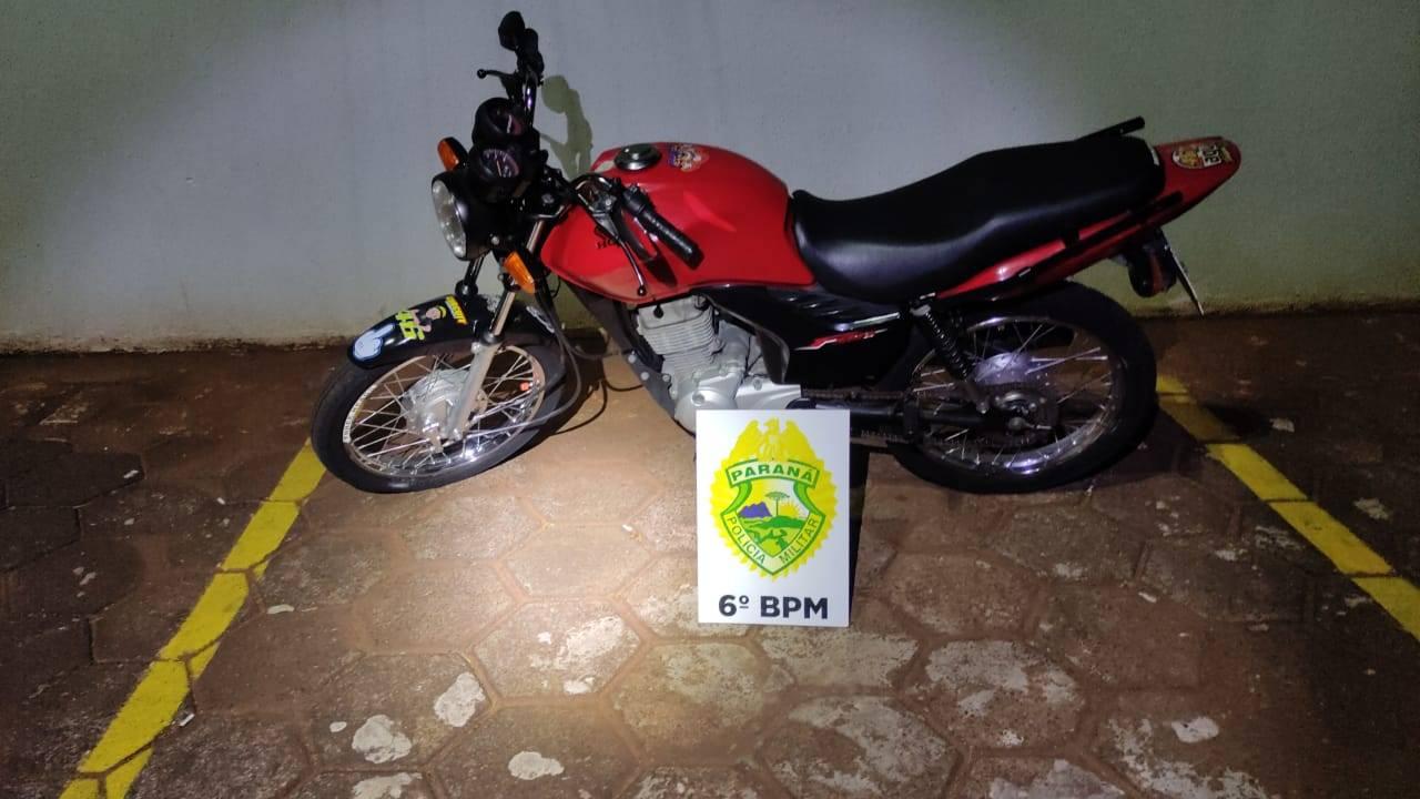 Policia Militar recupera motocicleta com alerta de furto na Avenida Brasil