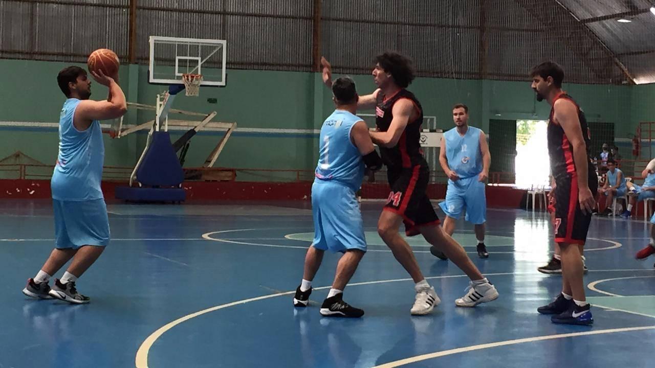 Medianeira vence Colégio Cristo Rei por 51 a 50 em jogo pegadíssimo na 5ª Liga de Basquete Abasmavel