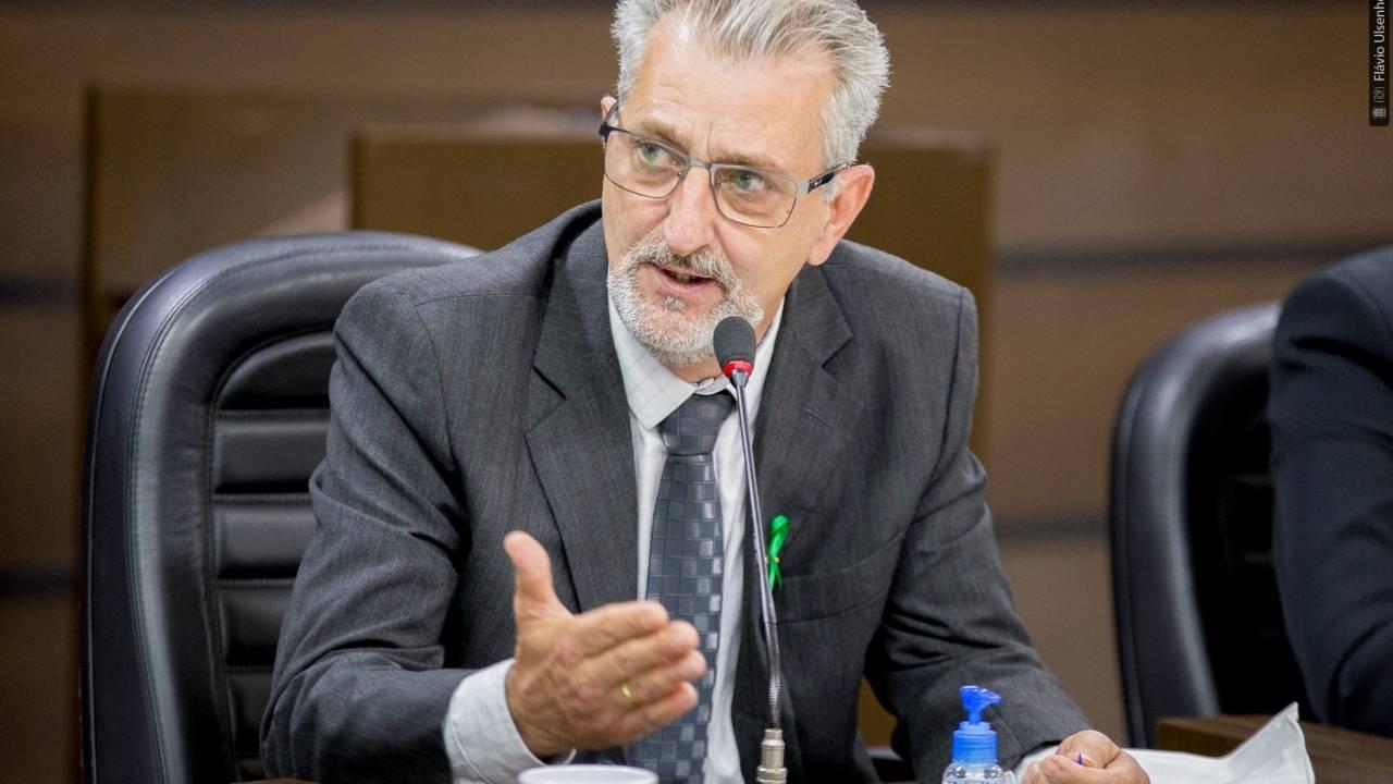 Santello ressalta importância dos professores na pandemia e pede mais valorização
