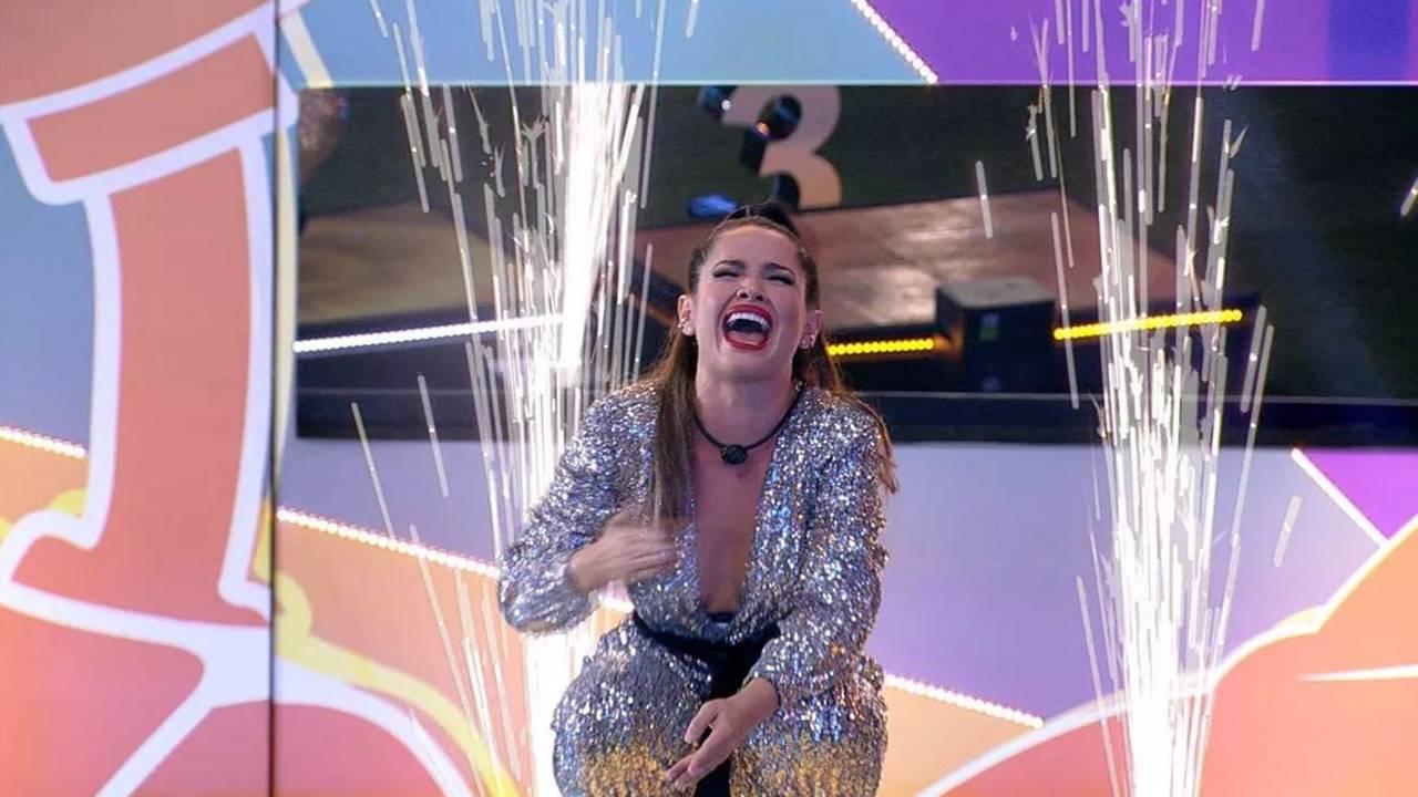 BBB21: Juliette é a campeã com 90,15% dos votos e ganha R$1,5 e finaliza programa com legião de fãs