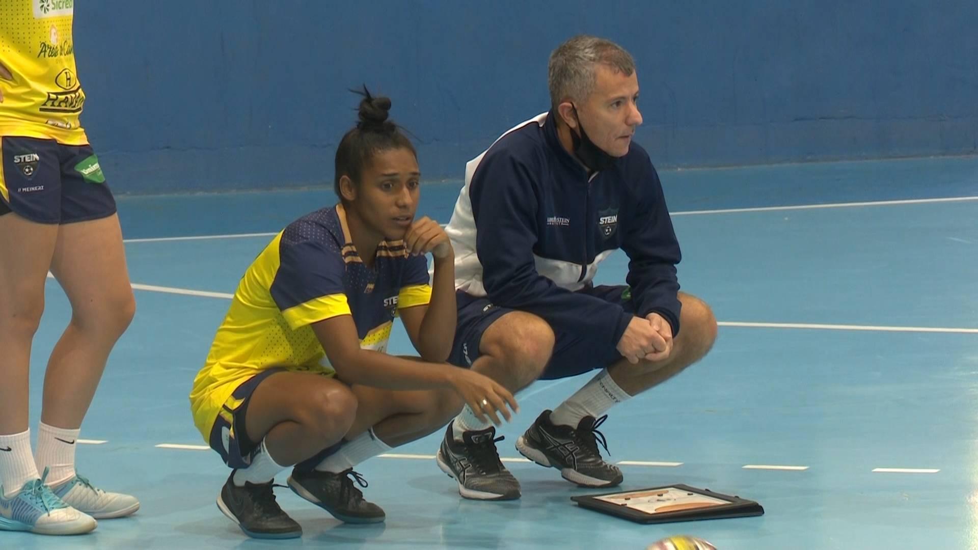 Jackinha é novo reforço do Stein Cascavel Futsal