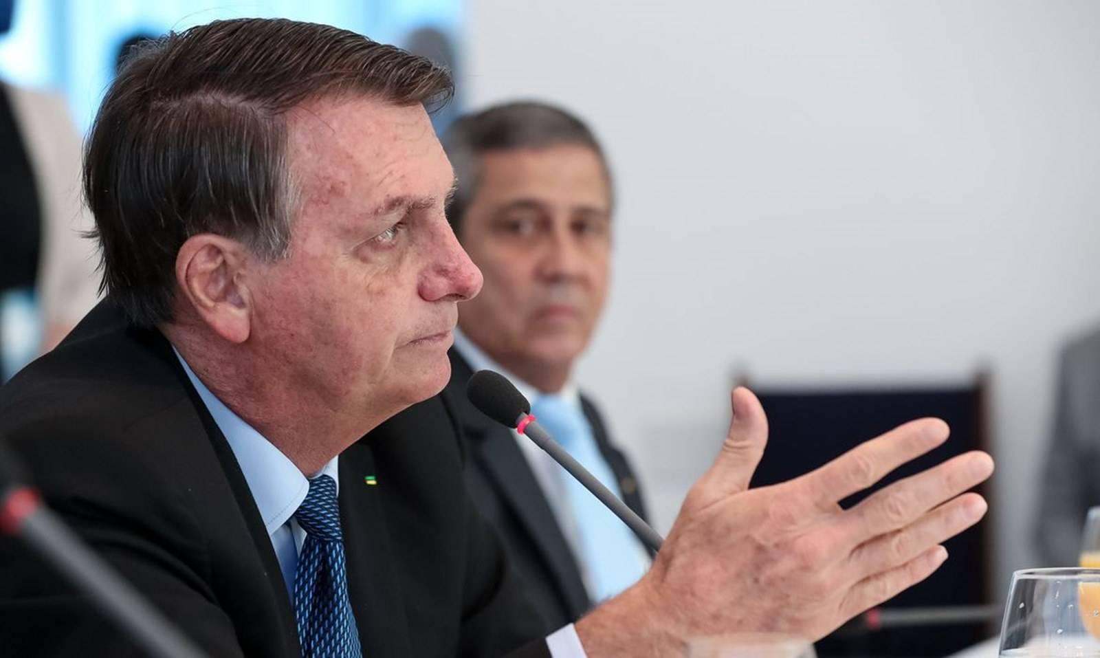 Bolsonaro recria Ministério das Comunicações