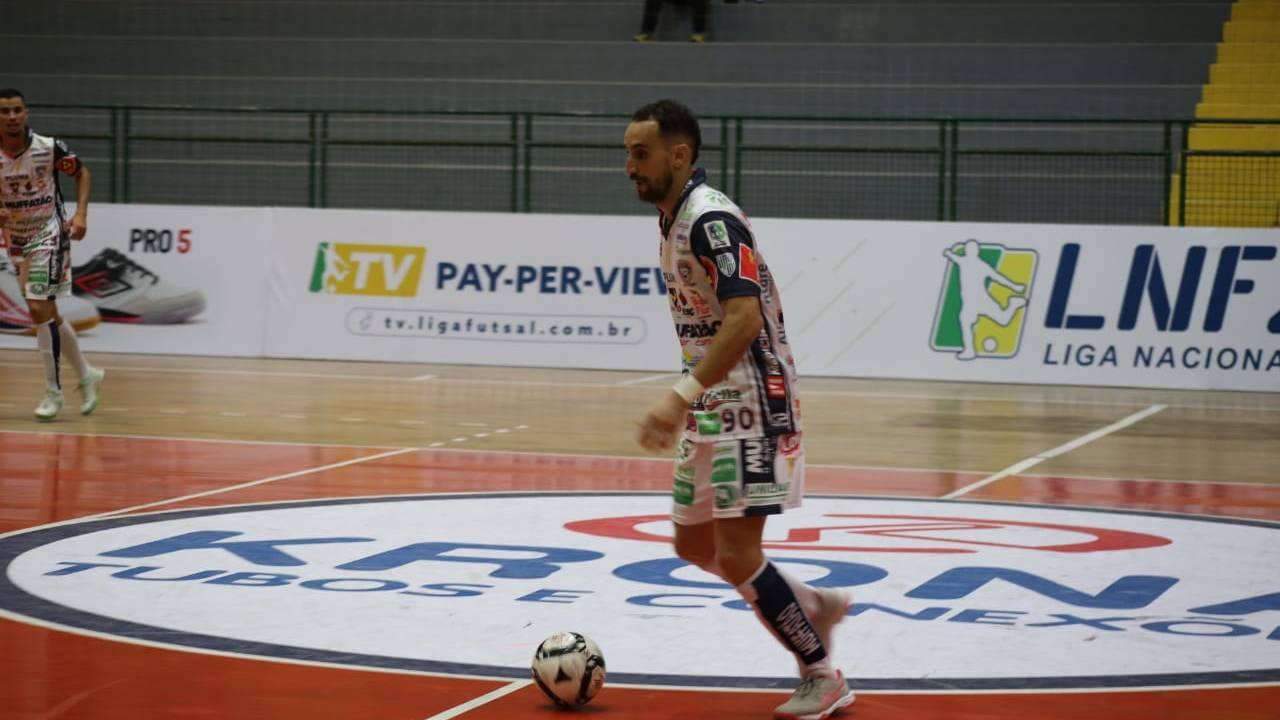Liga Nacional: Em jogo eletrizante, Cascavel Futsal vence Blumenau de virada