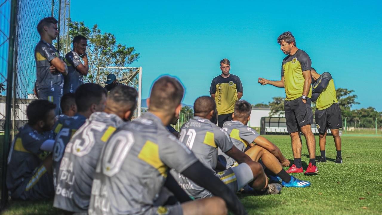Jogando em Florianópolis, Cascavel enfrenta Avaí por uma vaga para a 3ª fase da Copa do Brasil