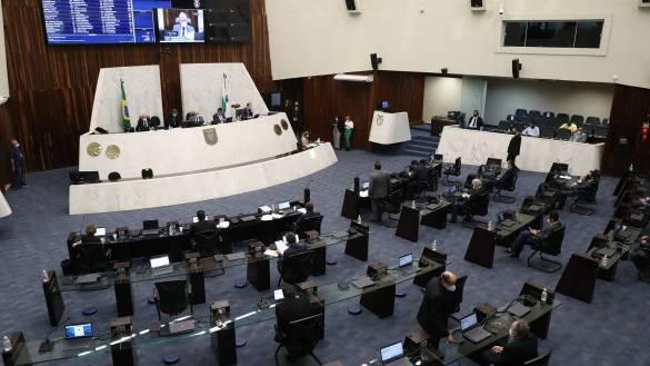 Assembleia aprova regulamentação da dose complementar da vacina contra a Covid-19 no Paraná