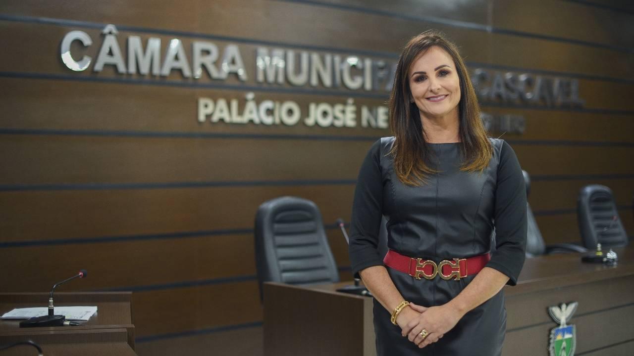 Promotora Simone Lorens receberá título de cidadã honorária de Cascavel