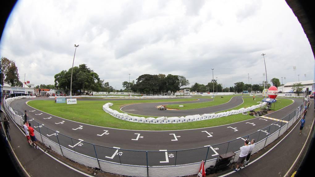 Foz do Iguaçu adia mais uma vez a abertura da temporada de kart
