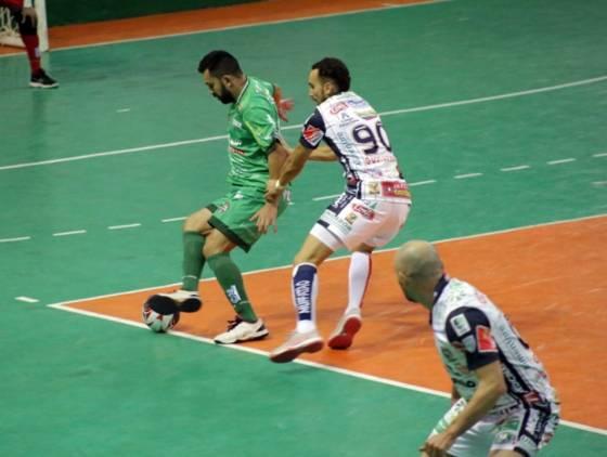 Cascavel Futsal vence Dois Vizinhos por 5 a 3 pelo Campeonato Paranaense