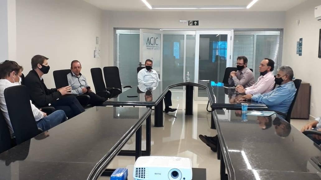 Celso Dal Molin explica na Acic proposta de ida do Pelotão de Choque para região norte