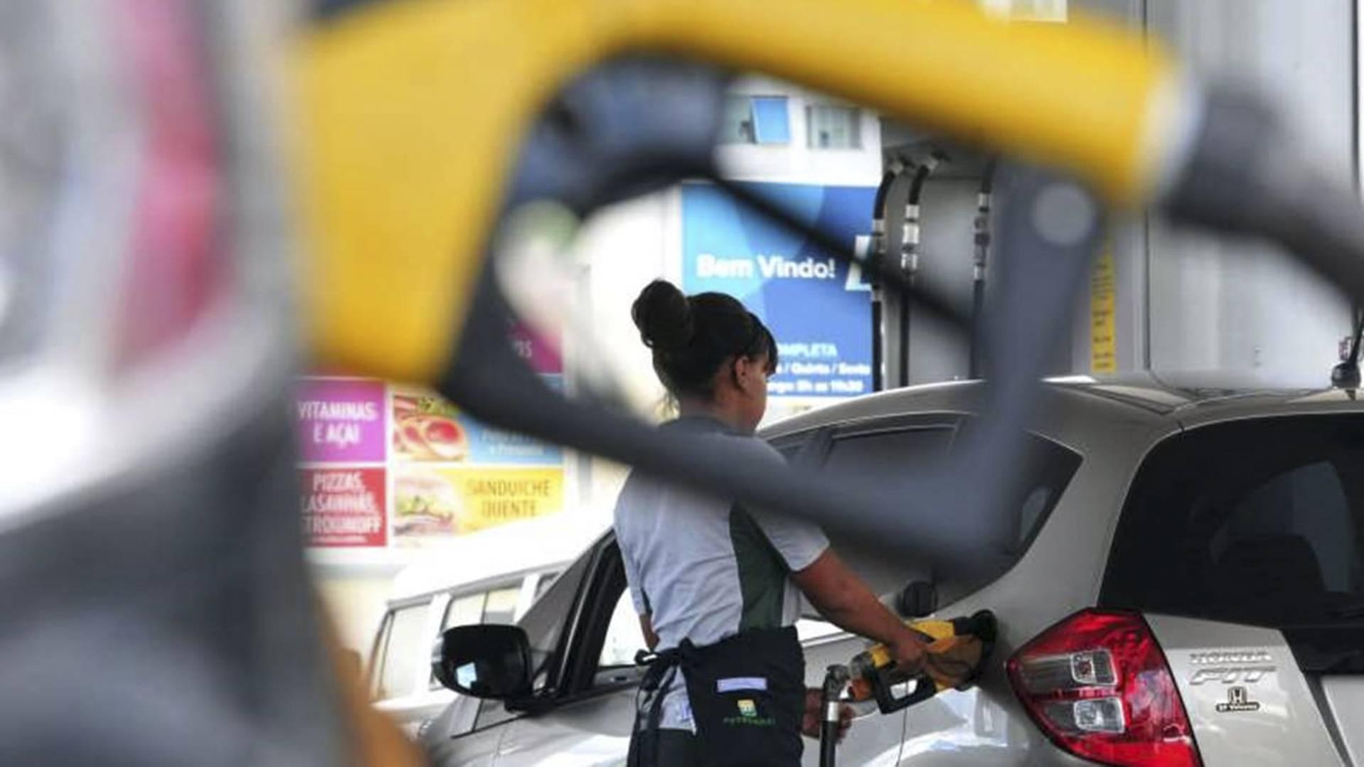 Comissão debate efeitos da MP que antecipa mudanças no comércio varejista de combustíveis