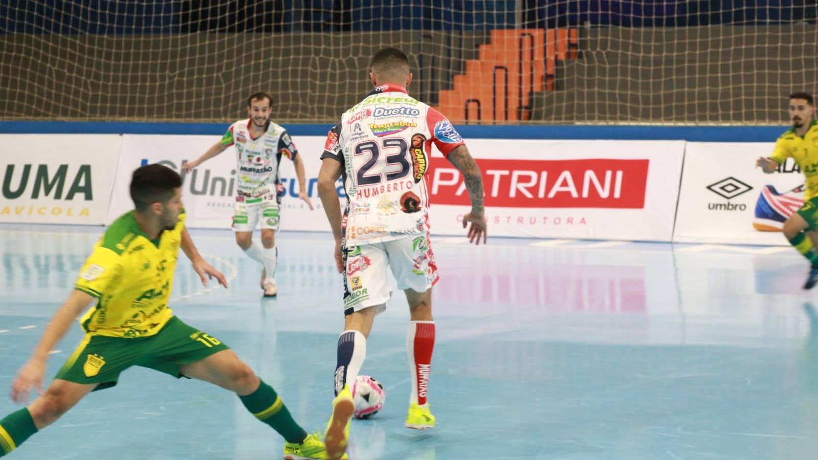 Cascavel Futsal goleia Assoeva e dispara na liderança do seu grupo na LNF