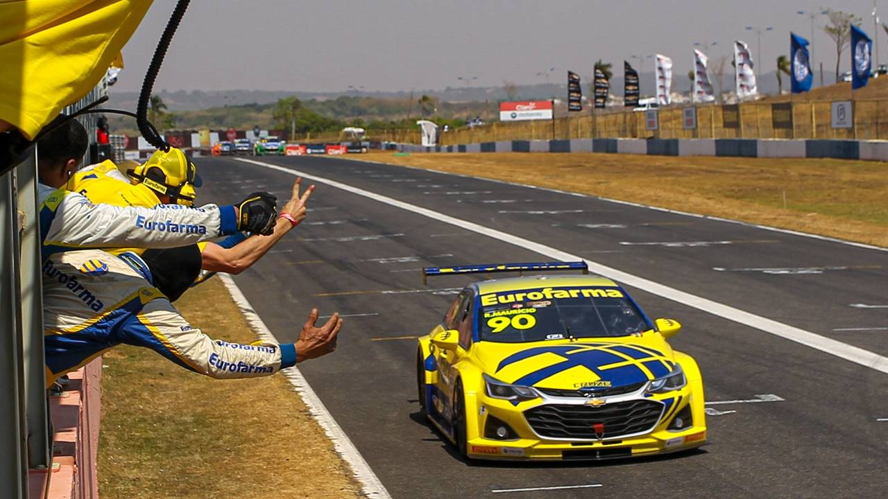 Ricardo Maurício faz história em Goiânia e Stock Car tem novo líder do campeonato