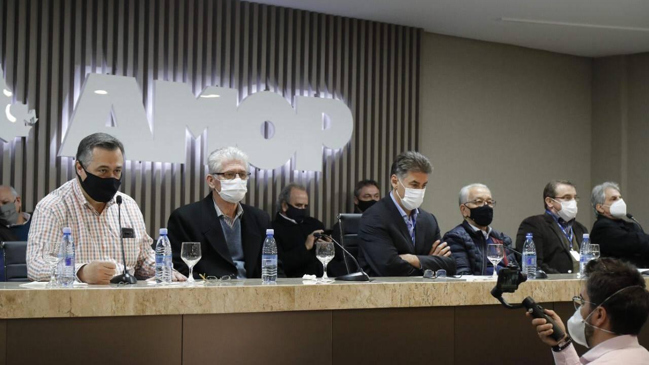 Presidente do Consamu recepciona Beto Preto em evento com prefeitos