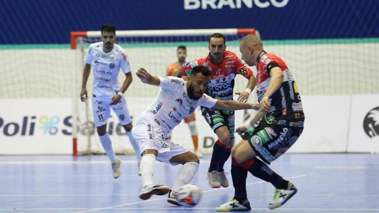 Cascavel Futsal estreia com o pé direito na Liga Futsal Paraná 2021