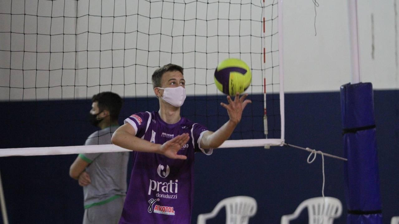 Voleibol de Toledo retoma os treinos no Ginásio Adenir José Massola