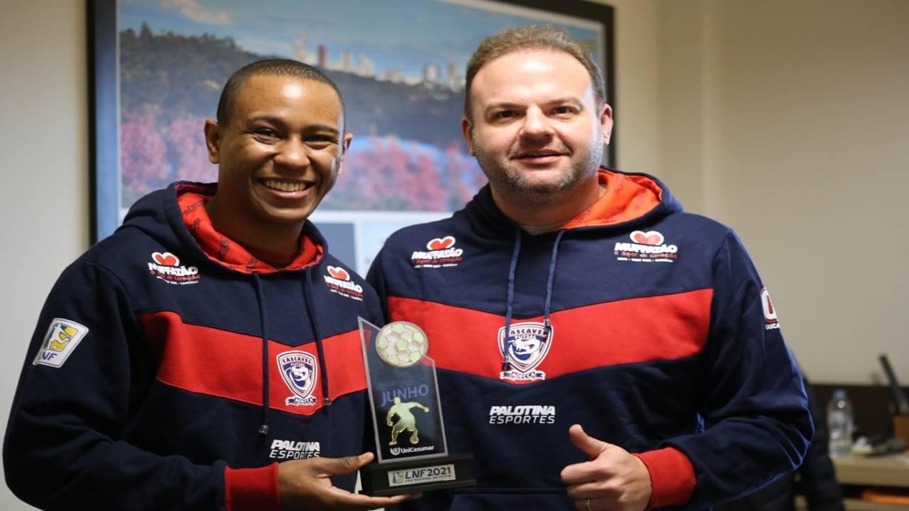 Roni foi escolhido como o craque do mês de junho da Liga Nacional de Futsal