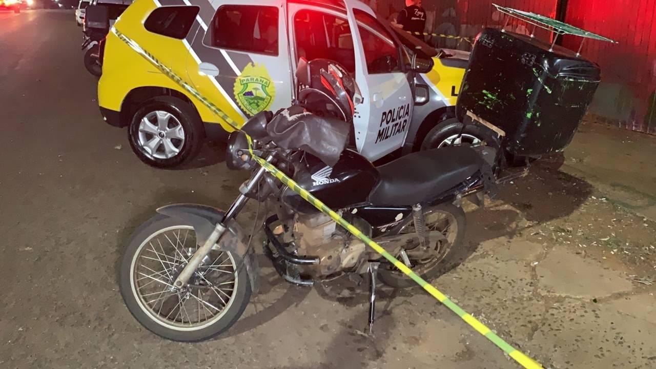 Dois mototaxistas são executados a tiros enquanto dormiam na Avenida Carlos Gomes