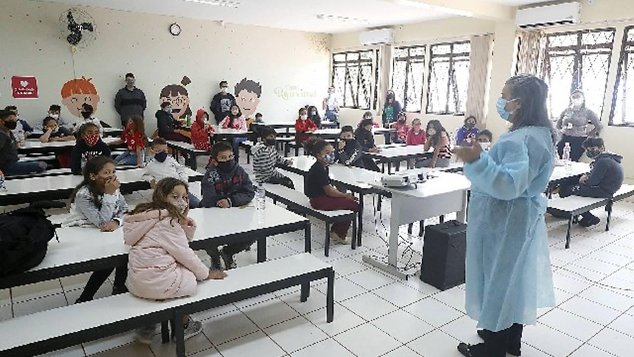 Palestras abordam temas educativos para crianças e adolescentes do Eureca I