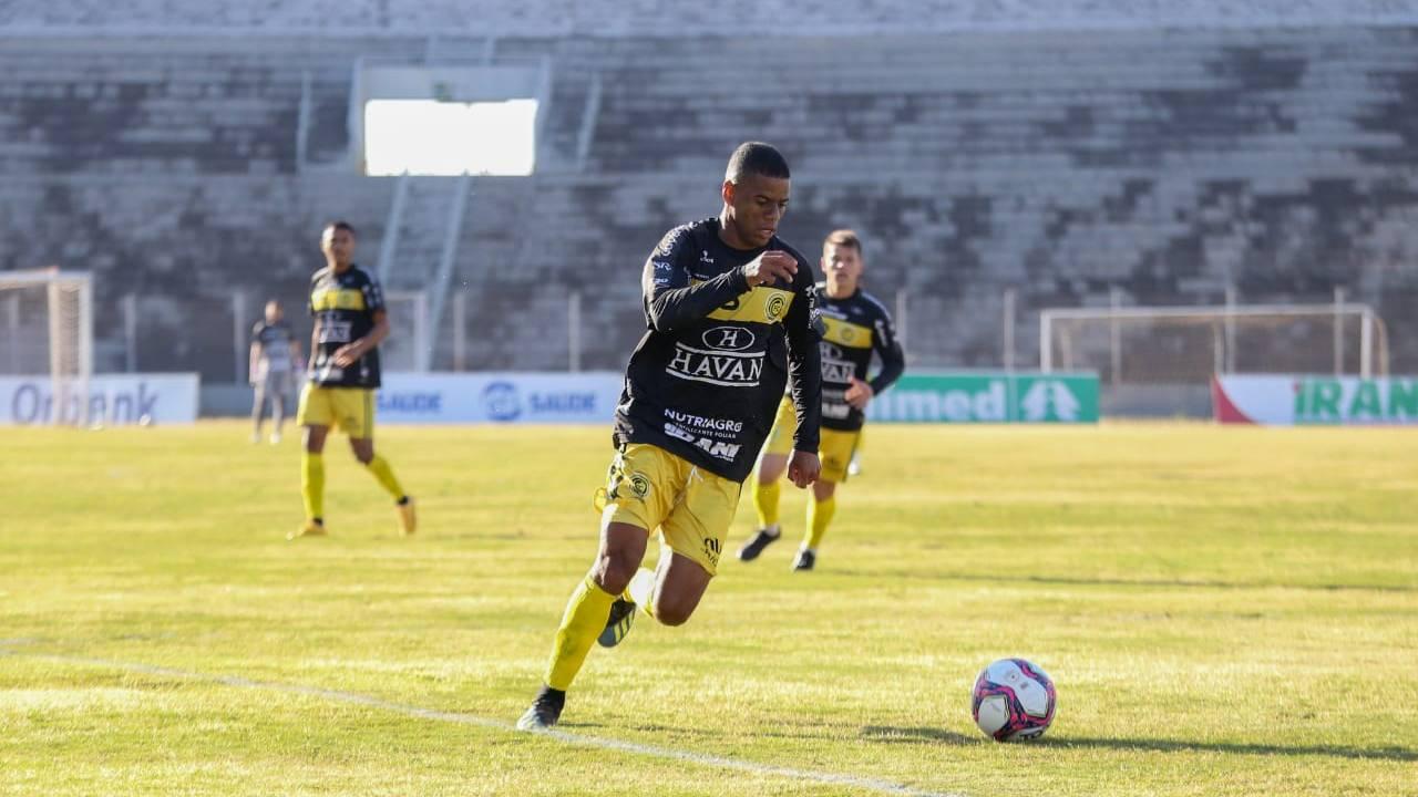 Série D: FC Cascavel vence Rio Branco de virada por 3x1, e fica mais próximo da classificação