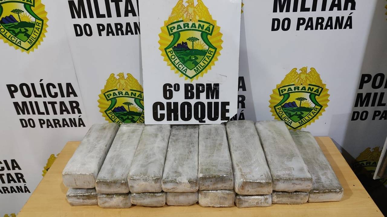 Mulher de 43 anos é detida com 13kg de maconha na rodoviária de Cascavel.