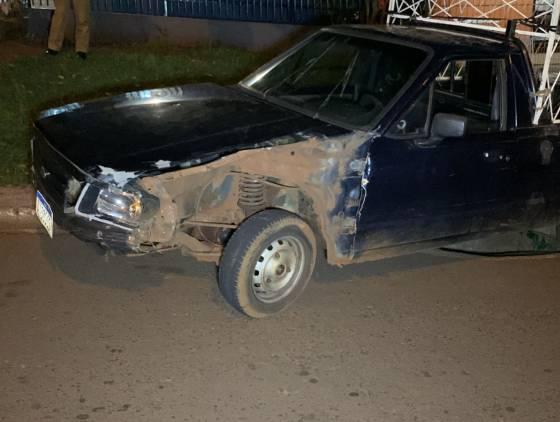 Casal fica ferido após colisão no Bairro Floresta; Condutor do carro abandonou o veiculo e se evadiu