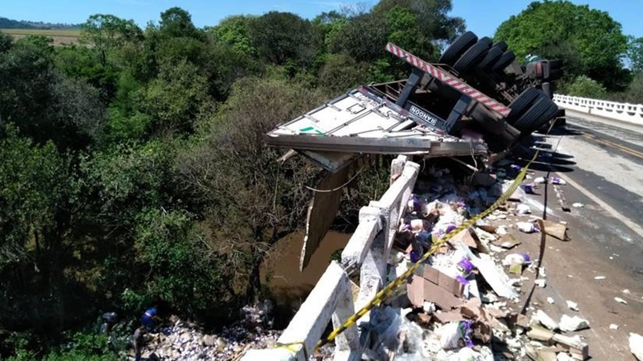 Grave acidente de trânsito é registrado entre Itapejara e Pato Branco