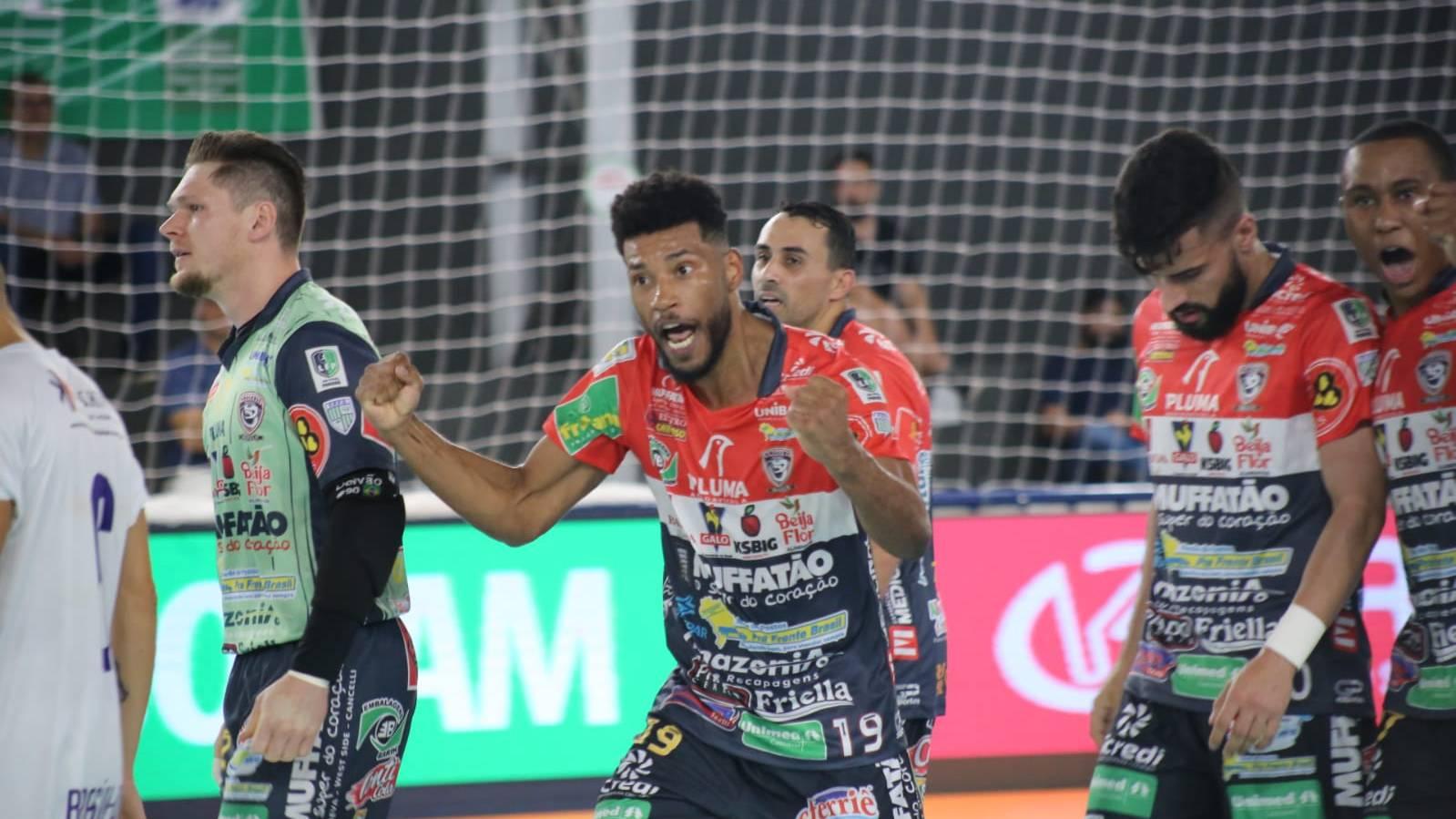 Em mais uma exibição de gala, Cascavel Futsal vence ARUC por 6 a 2